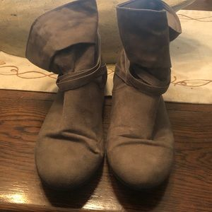 Slouchy grey booties